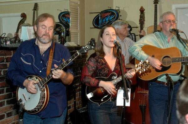 New Bluegrass Barn Series Brings Appalachian Music To