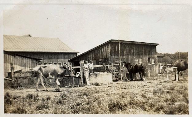 smith-barn-1940
